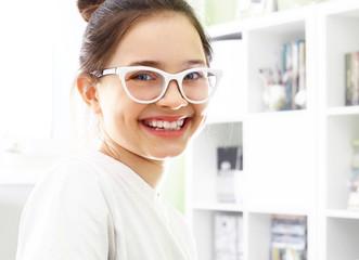 Uśmiechnij się, piękny biały uśmiech