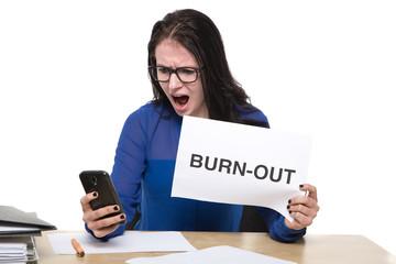 Frau steht kurz vorm Burnout