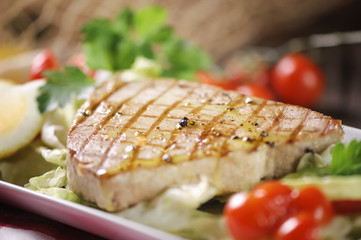 Grilled tuna steak