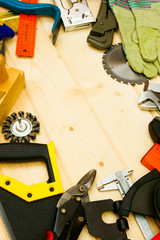 The different working tools (stapler, mallet, saw and others) on