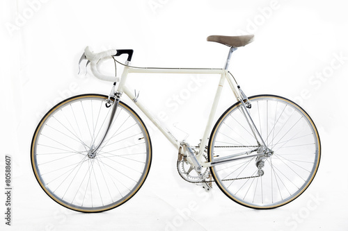 Fotobehang Fiets vintage racing bike isolated on a white background