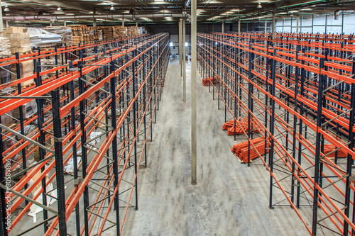 warehouse shelving high - 80589886