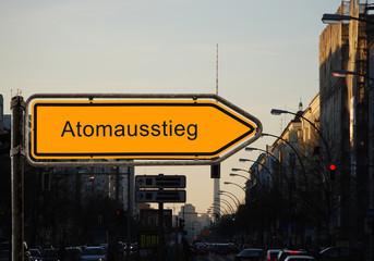 Strassenschild 37 - Atomausstieg