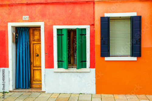 Leinwandbild Motiv - Goodpics : beautiful colorful small houses in Burano island near Venice Ita