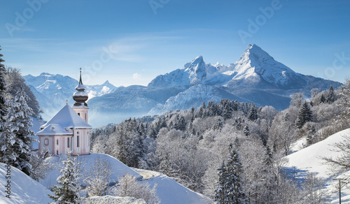 Foto op Aluminium Alpen Winter landscape in the Alps with church