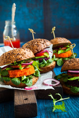 Veggie beet and carrot burgers with avocado