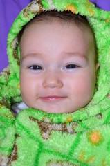 Маленькая красивая девочка 7 месяцев