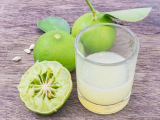 lemon juice with  sliced lemon squeezed