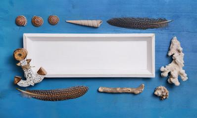 Holz schild weiß mit nautisch maritimer Deko in Blau