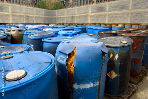 Several barrels of toxic waste - 80699602
