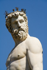 detail of the fountain of Neptune in Florence 4
