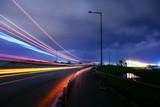otogardan hareket eden otobüslerin ışıkları