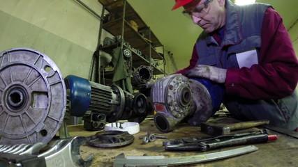 Industrial Machinery Mechanics and Maintenance Worker