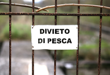 prohibition of fishing in an area in Italy