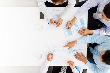 Analyzing financial documents