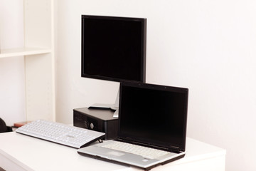 Notebook & Desktop Computer