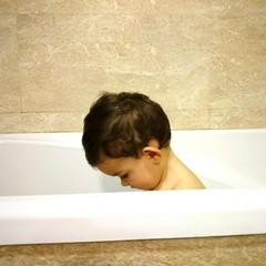 Bebé en la bañera