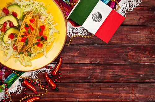 Fotobehang Cocktail Background: Mexican Flag and Tacos to Celebrate Cinco De Mayo