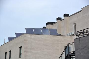 placas solares en un tejado
