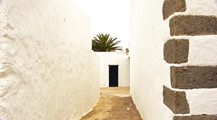 Callejón en Teguise, Lanzarote, Islas Canarias
