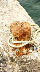 Noray oxidado en Costa Teguise, Lanzarote