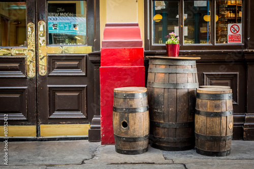 Old style english pub - 80752432