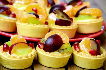 Mini tart with fruit