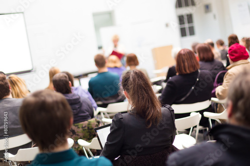 Woman lecturing at university. - 80759643
