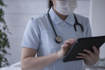 Nurses are using electronic medical records