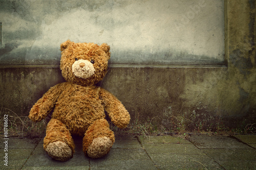 Leinwanddruck Bild Lonely Teddy Bear
