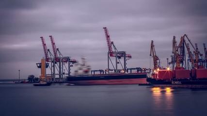 Port Ship Sea (time-laps)
