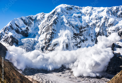 Keuken foto achterwand Bergen Power of nature. Avalanche in the Caucasus