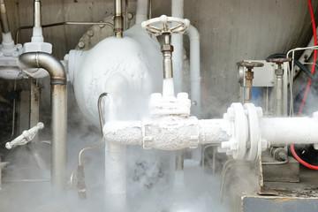 Ice on liquid oxygen