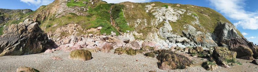 Spiaggia rocciosa Irlanda