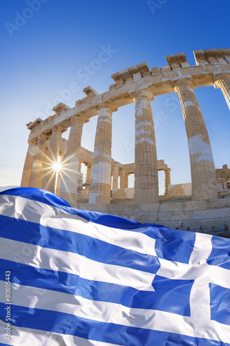 Staande foto Athene Parthenon temple with Greek flag on Acropolis, Greece