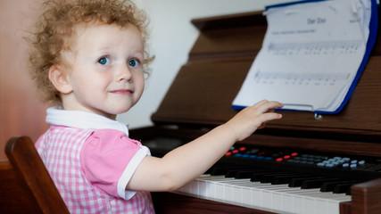 Kleinkind und Musik