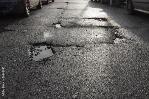 Dziura w drodze - 80846052