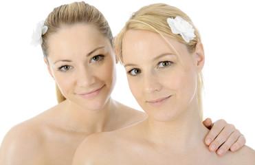 Frauen bei Wellness, Spa, Massage und Sauna