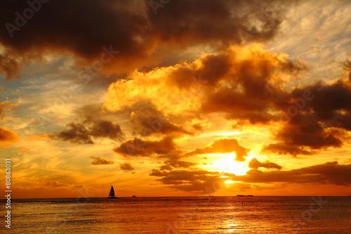 Fotobehang Zonsondergang ワイキキ海岸の夕焼け