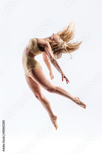 young beautiful modern style dancer - 80865280
