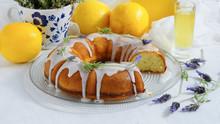 "Постер, картина, фотообои ""Lemon Cake with homemade limoncello and lavander"""