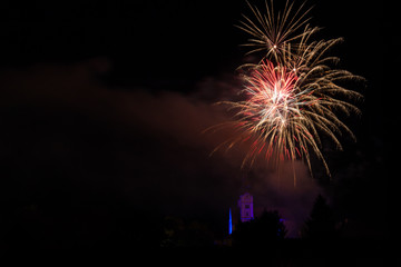 Feuerwerk - Raketen über der Kirche Loretto