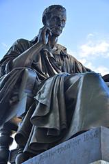 Ginebra, Suiza, estatua del filósofo Rousseau