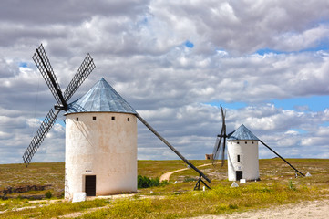 Campo de Criptana, paisaje con molinos de viento, España