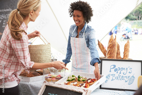 Female Bakery Stall Holder At Farmers Fresh Food Market - 80881648