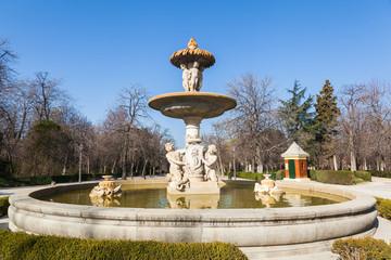 Brunnen im Retiro Park in Madrid