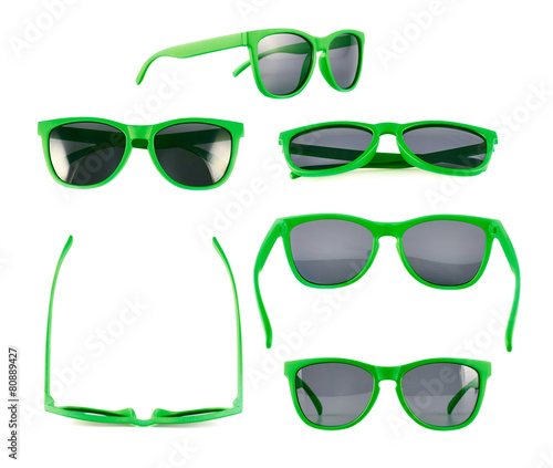 Green sun glasses isolated - 80889427