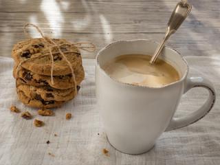 Kaffeepause mit Cookies