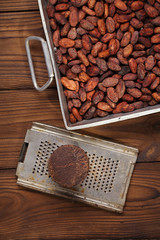 roasted cocoa beans and 100% solid chocolate