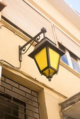 желтый фонарь